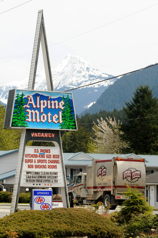 Alpine Motel Hope BC 2014